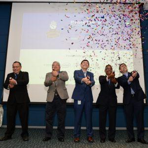 Launch of Web Portal (left to right) : Tahiruddin Hamdan, Chan Keng Cheong, Robin Martin, Dr Hari Narayanan and Graham Rice
